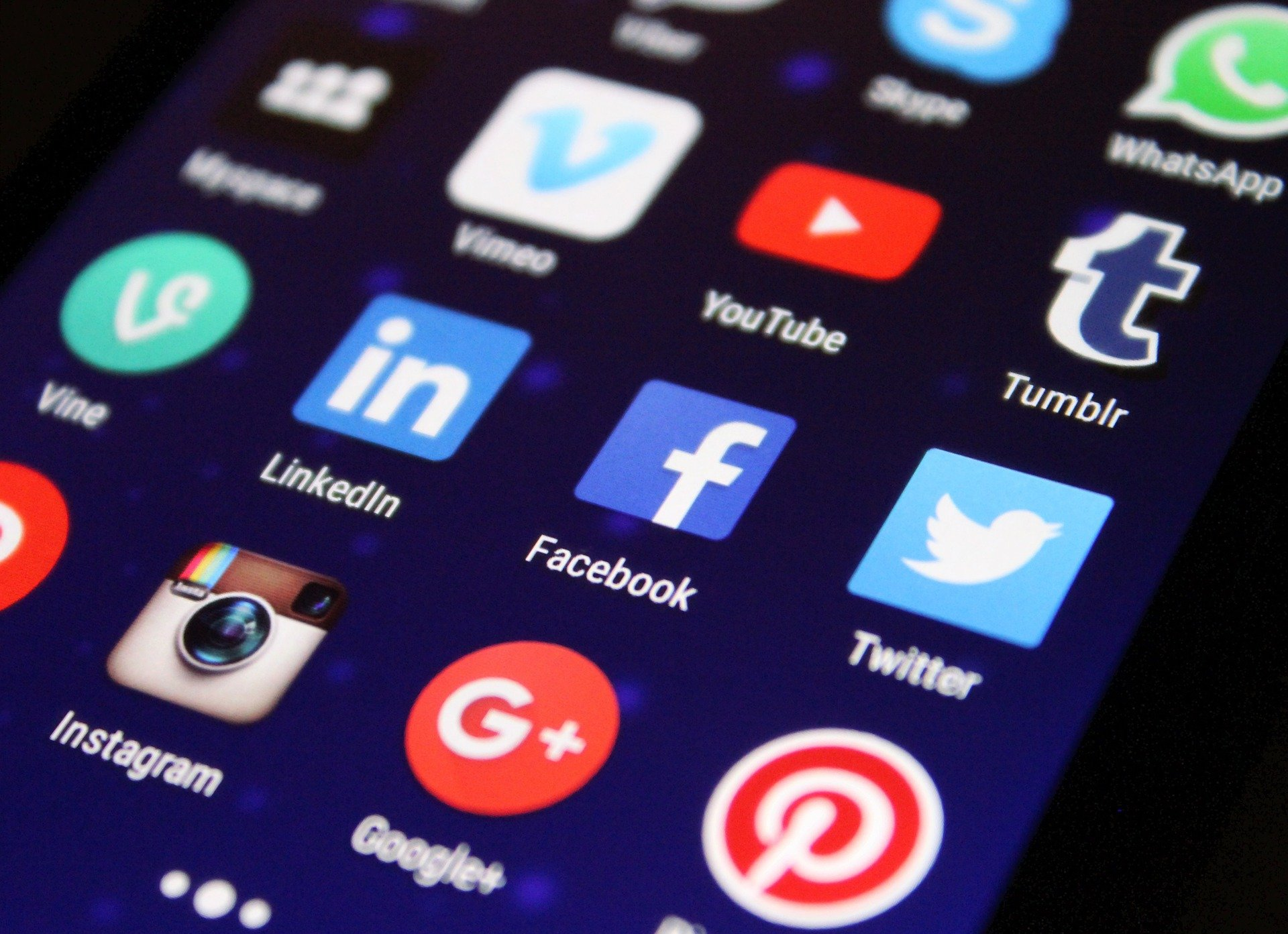 How to Have a Personal Social Media Account Without Hurting Your Business